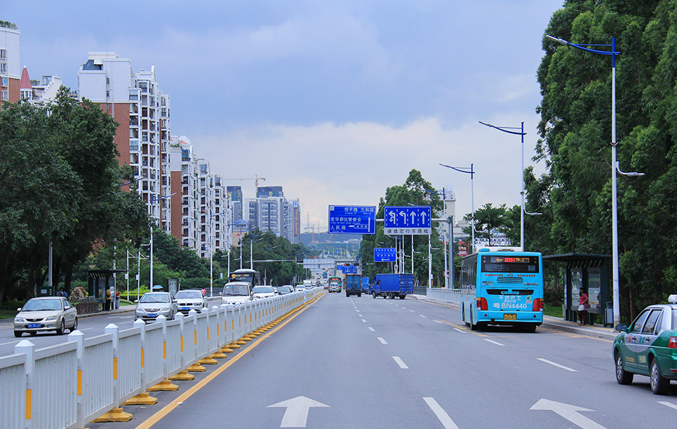 BBE LS5 in Huangguan South Road, Shenzhen, China